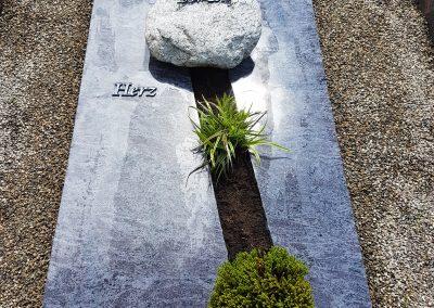 Orion mit gebrochenem Weg auf dem Friedhof Ostfildern Nellingen